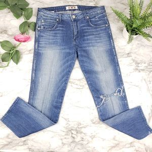 AMO 30 Kate Seaside with Destroy Jeans